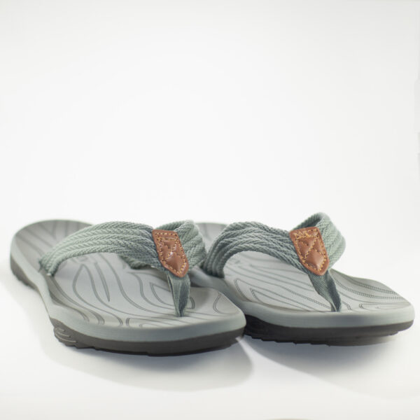 sandalias grises johnny colosi