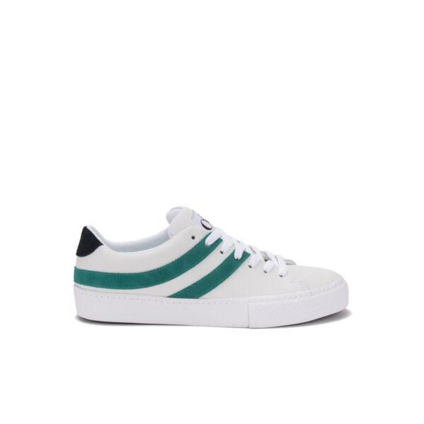 zapatillas blancas y verdes